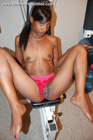 Perfect shaped black mama spreaded wide  - XXX Dessert - Picture 5