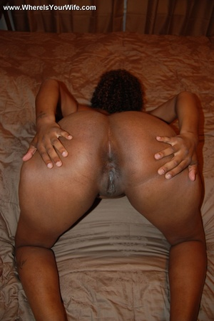 Curly hair chubby black milf exposing he - XXX Dessert - Picture 12