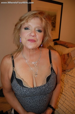 Mature chubby blonde wife spreading her  - XXX Dessert - Picture 1