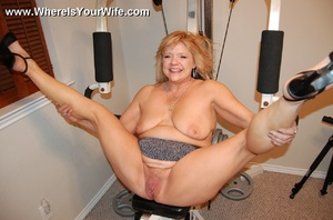 Mature chubby blonde wife spreading her  - XXX Dessert - Picture 6