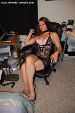 Lovely milf in sexy black lingerie moves - XXX Dessert - Picture 4