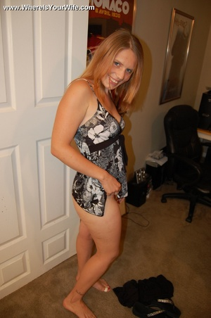 Young big booty blonde milf spreaded wid - XXX Dessert - Picture 2