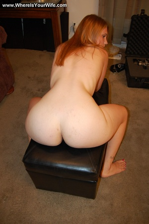 Young big booty blonde milf spreaded wid - XXX Dessert - Picture 10