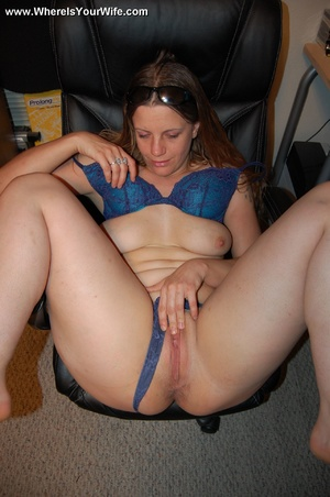 Cute long haired wife pulls down her dee - XXX Dessert - Picture 8