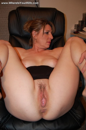 Big boobed smily mature milf has no pant - XXX Dessert - Picture 10