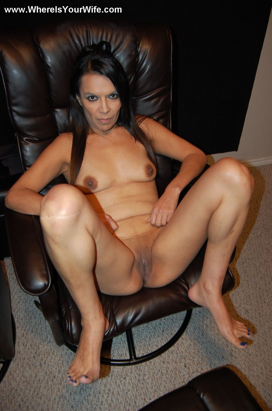 Mature amateur spreading