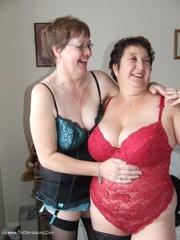 mature lesbian sex kinky