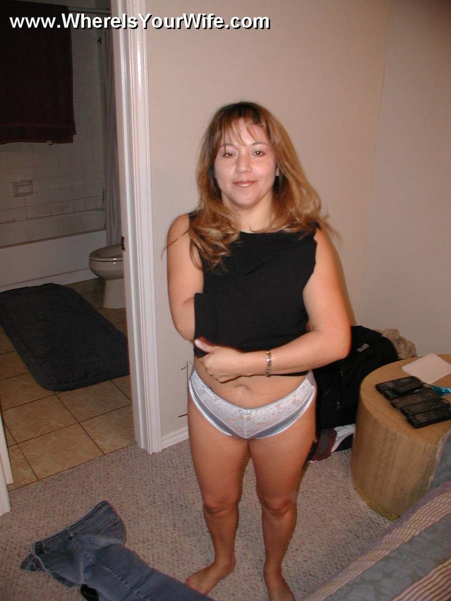 latina housewife tia likes being used - xxx dessert - picture 2