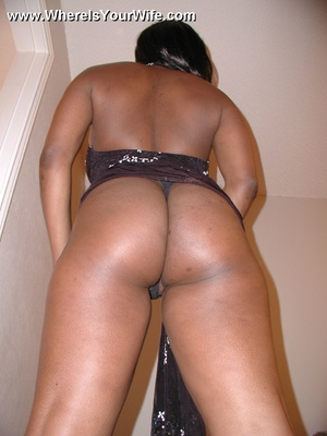 Big boobed black mom Donelle strips to e - XXX Dessert - Picture 3
