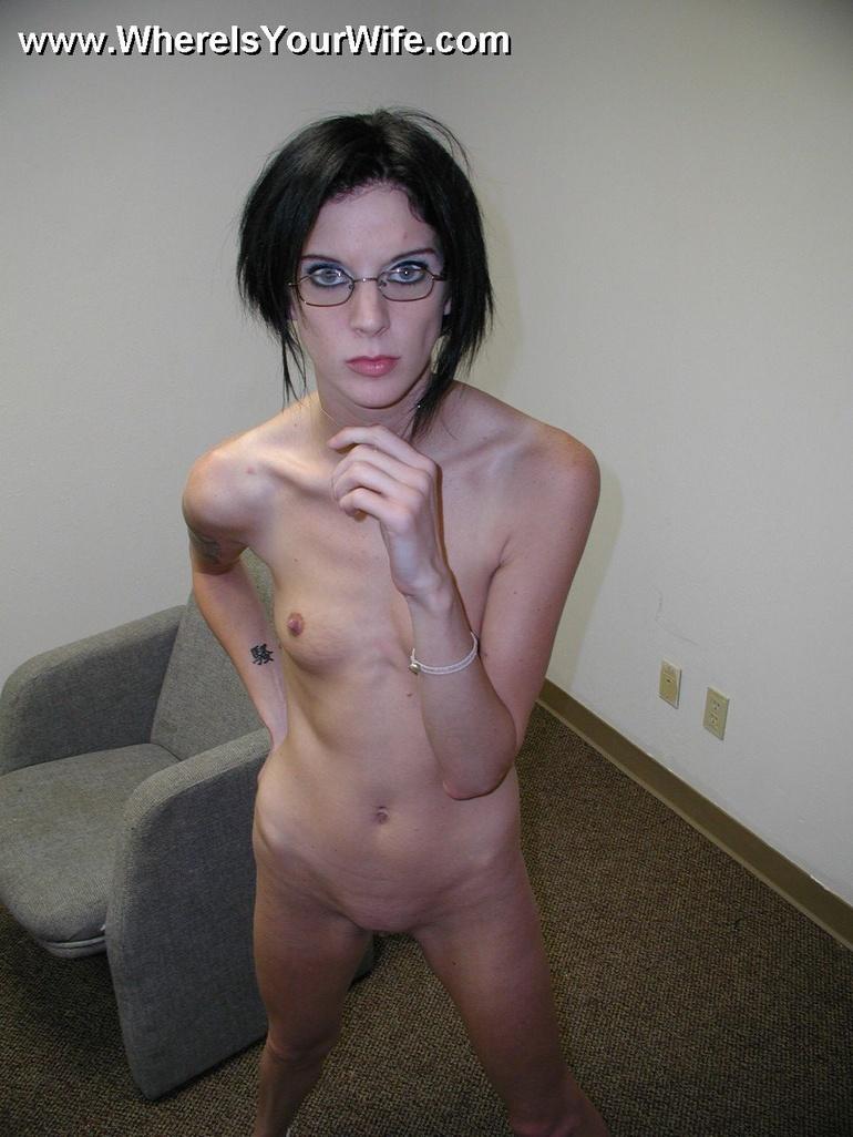 Thin Milf 25239  Skinny Lusty Milf Veronica Posing Naked In-7426