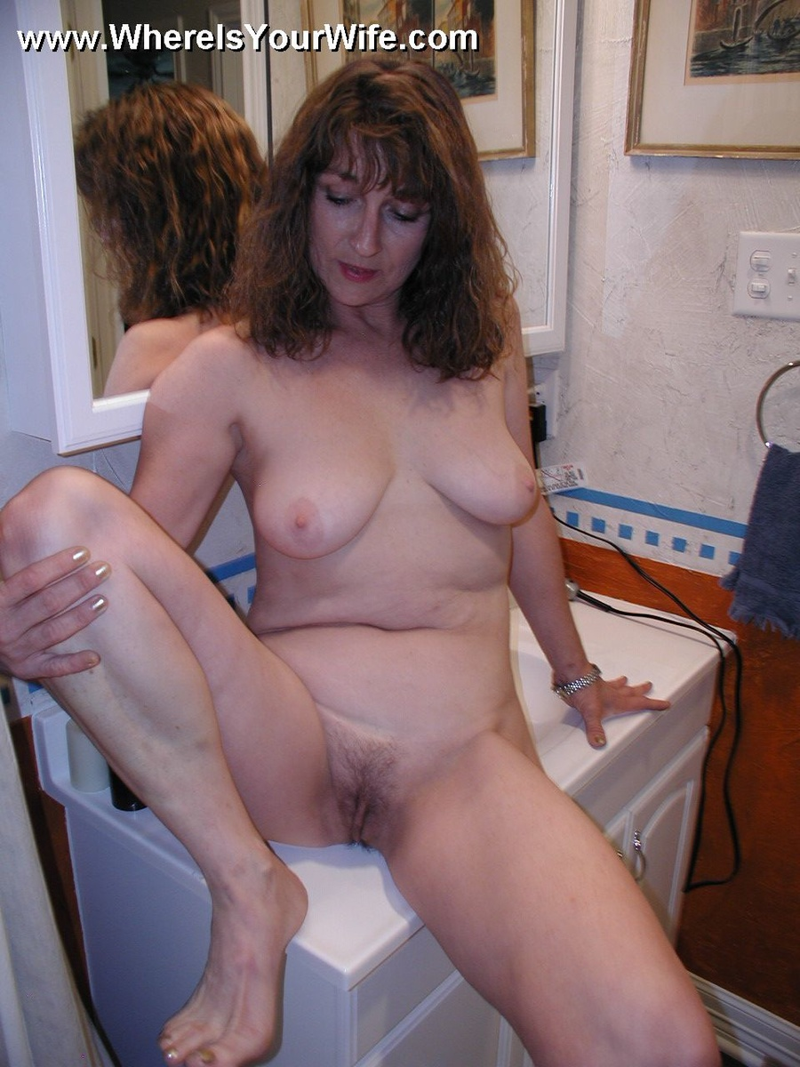 curly hair mom with big breasts gets her flowing pussy p - xxx dessert