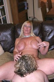 bbw cougar barby from