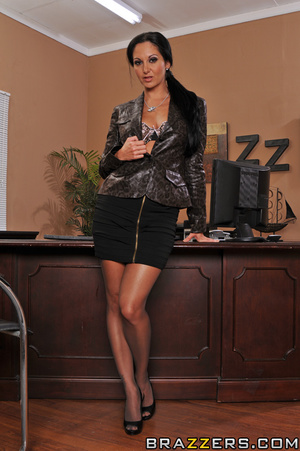 Ava is every male boss' dream. She sends - XXX Dessert - Picture 1
