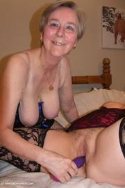 mature lesbian sex kims