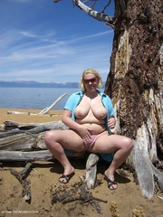 exhibitionist flashing barby from