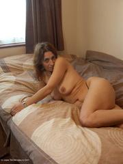 cougar solo jolanda from