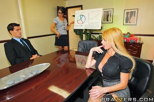 Taylor is about to have a meeting with R - XXX Dessert - Picture 6