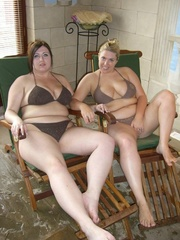 curvy threesomes barby from