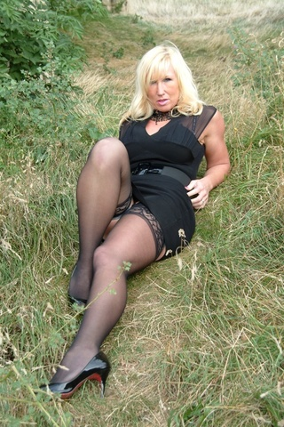 cougar exhibitionist melody from