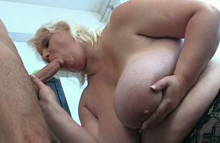 blonde bbw babe blowjob