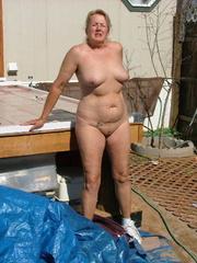 granny shaving adonna from
