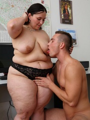 He comes into the office and the BBW puts the moves on - Picture 11