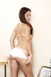 brunette tere