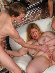 Fat fucking goes down at this tremendous party with - Picture 10