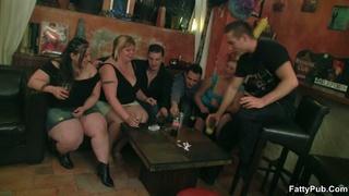 girls bar drink sucking