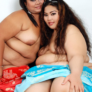 Asian BBWs Cassie and Lil Thunder show their soft bodies - Picture 10
