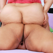 Asian BBWs get naked and bump asses - Picture 12