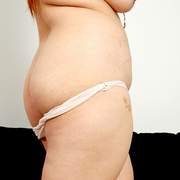 Chunky Asian Pla shows her fat pussy - Picture 4