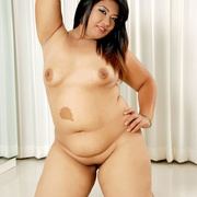 Chunky Asian gets naked and shows her fat pussy - Picture 15