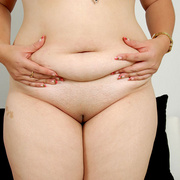 Chunky Asian Pla shows her fat pussy - Picture 9