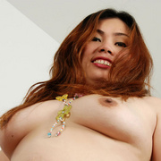 Chunky Asian Pla shows her fat pussy - Picture 12