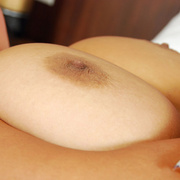 Busty Bam flaunts her perfect tits. - Picture 12