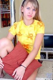 blonde mayim