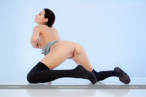 Magnificent black haired slut with gorge - XXX Dessert - Picture 13