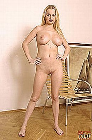 Long-haired blonde mom is very proud of  - XXX Dessert - Picture 1