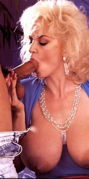 Vintage blonde MILF in glasses getting g - XXX Dessert - Picture 1