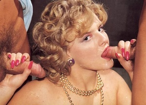 Two exotic chick pleasing lewd retro mom - XXX Dessert - Picture 4