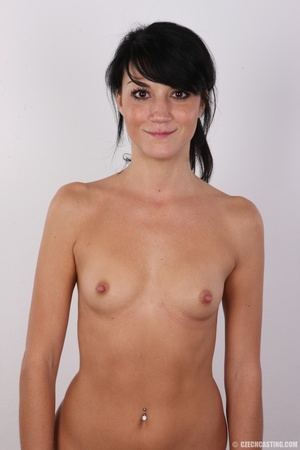 Slim black hair beauty with sexy small t - Picture 11