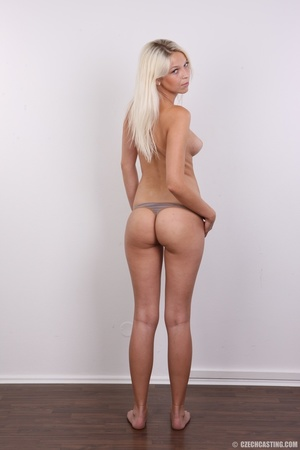 Young lusty blonde reveals sweet invitin - XXX Dessert - Picture 11