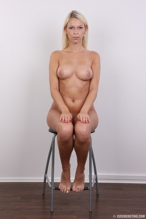 Young lusty blonde reveals sweet invitin - XXX Dessert - Picture 19