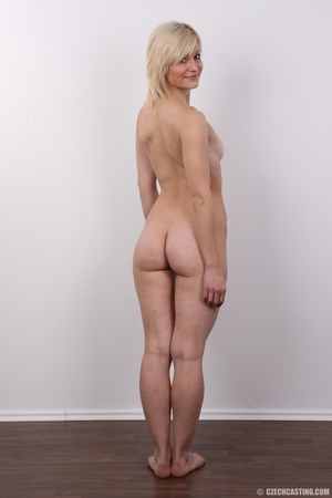 Well shaped pretty blonde with sexy but, - XXX Dessert - Picture 17