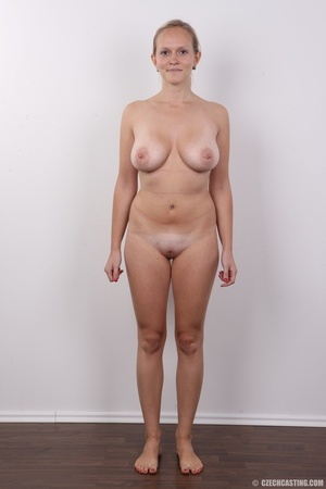 Sexy blonde with real sexy big tits go n - XXX Dessert - Picture 14