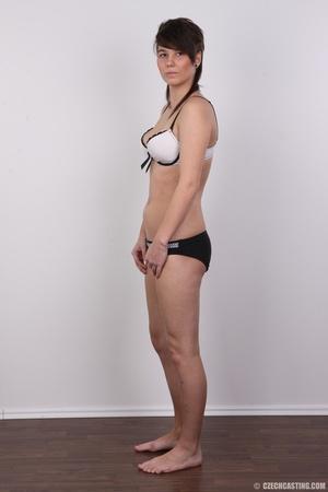 Seductive young brunette shows big tits, - XXX Dessert - Picture 8