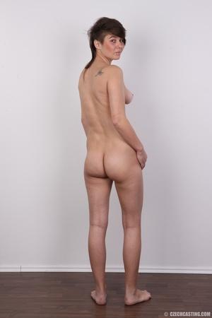 Seductive young brunette shows big tits, - XXX Dessert - Picture 17