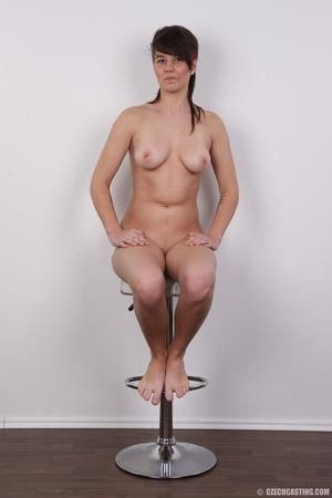 Seductive young brunette shows big tits, - XXX Dessert - Picture 18