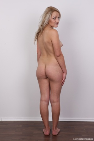 Hot seductive young blonde shows sexy cu - XXX Dessert - Picture 16
